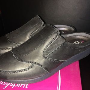 New Easy Spirit Traveltime Shoes Black